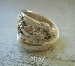 Beautifullly Aged Patina Ornate Vintage'Sterling Iris Spoon Ring 41R2