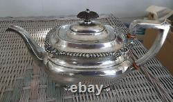 International Lord Robert Sterling Silver 10 Cup Teapot Excellent