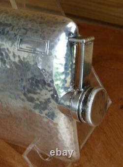 Flacon Sterling Vintage Main Hamered Half Pint Flask. 925 Sterling International
